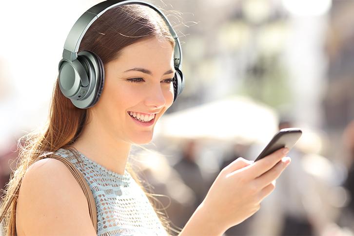kulaküstü kablosuz kulaklık